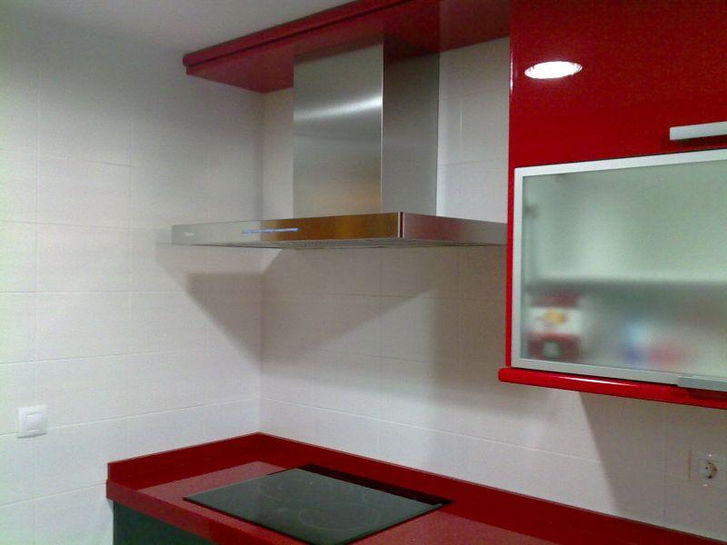 muebles de cocina en laca alto brillo combinando el negro en muebles